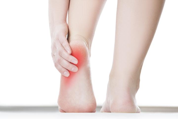 Przeszywający ból w pięcie