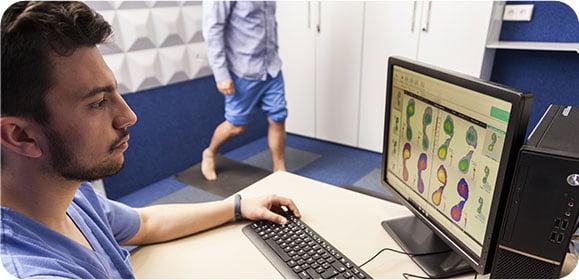 Następnym etapem wizyty w naszym gabinecie jest badanie komputerowe stóp